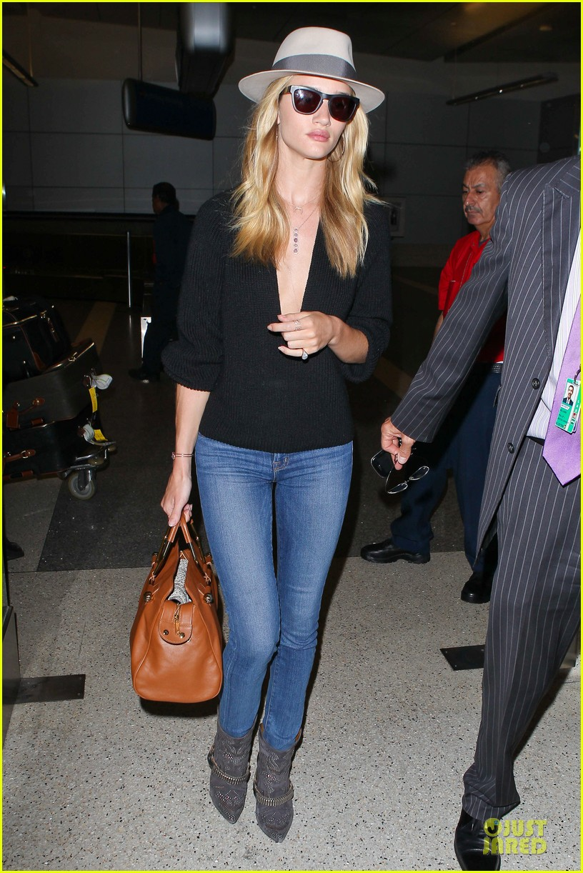 rosie huntington whiteley new face of modelco 09