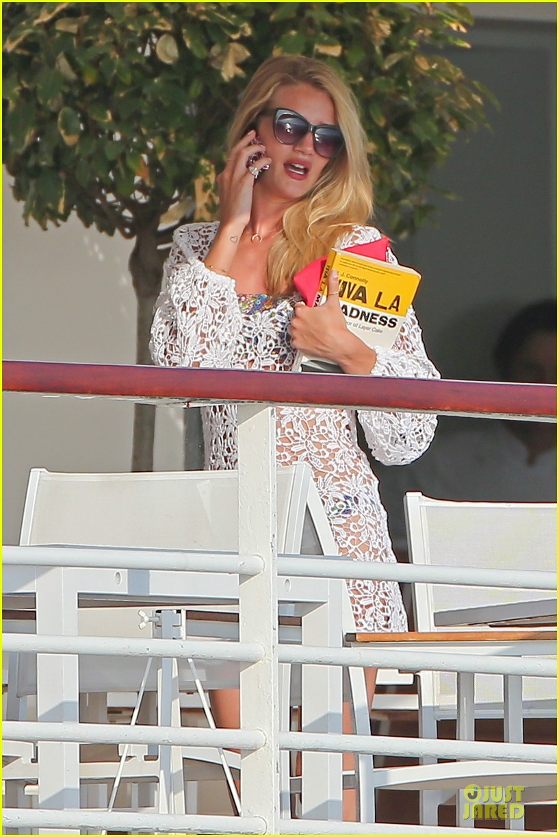 rosie huntington whiteley jason statham viva la madness bikini reading 26