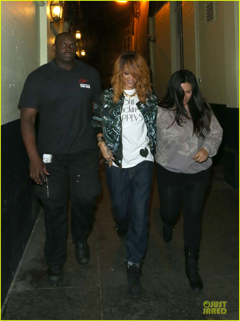 rihanna lillie bordello nightclub with jennifer rosales 06