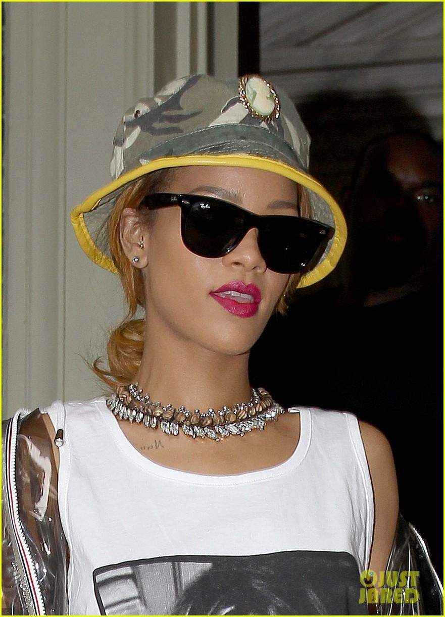 rihanna wears kate moss tank top in london 21