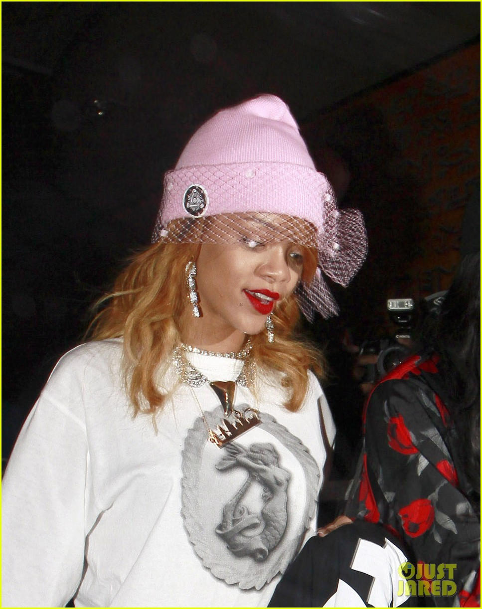 rihanna pink veiled beanie hat in amsterdam 022896569