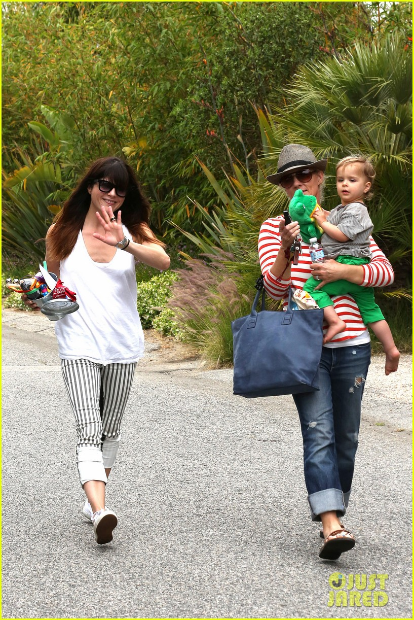 sandra bullock selma blair birthday party with the boys 29