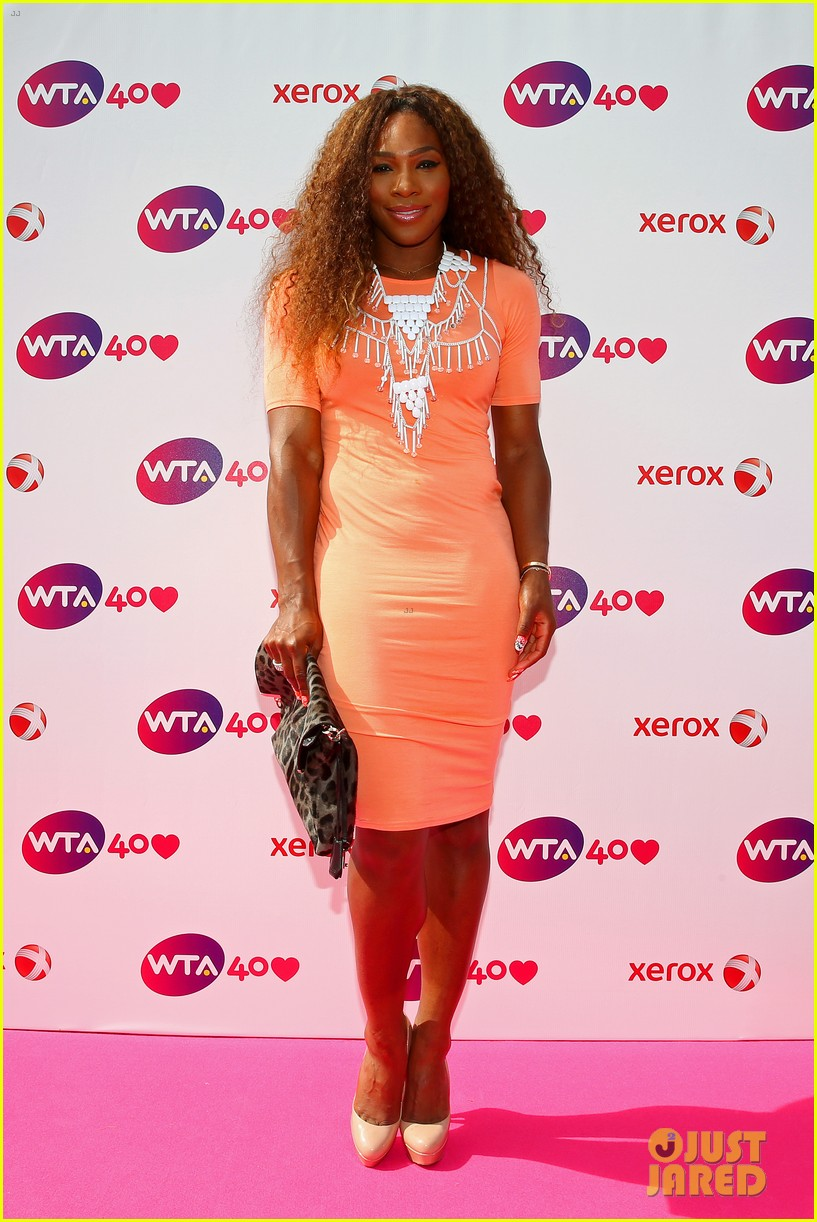 serena williams maria sharapova wta 40 love celebration 012901251