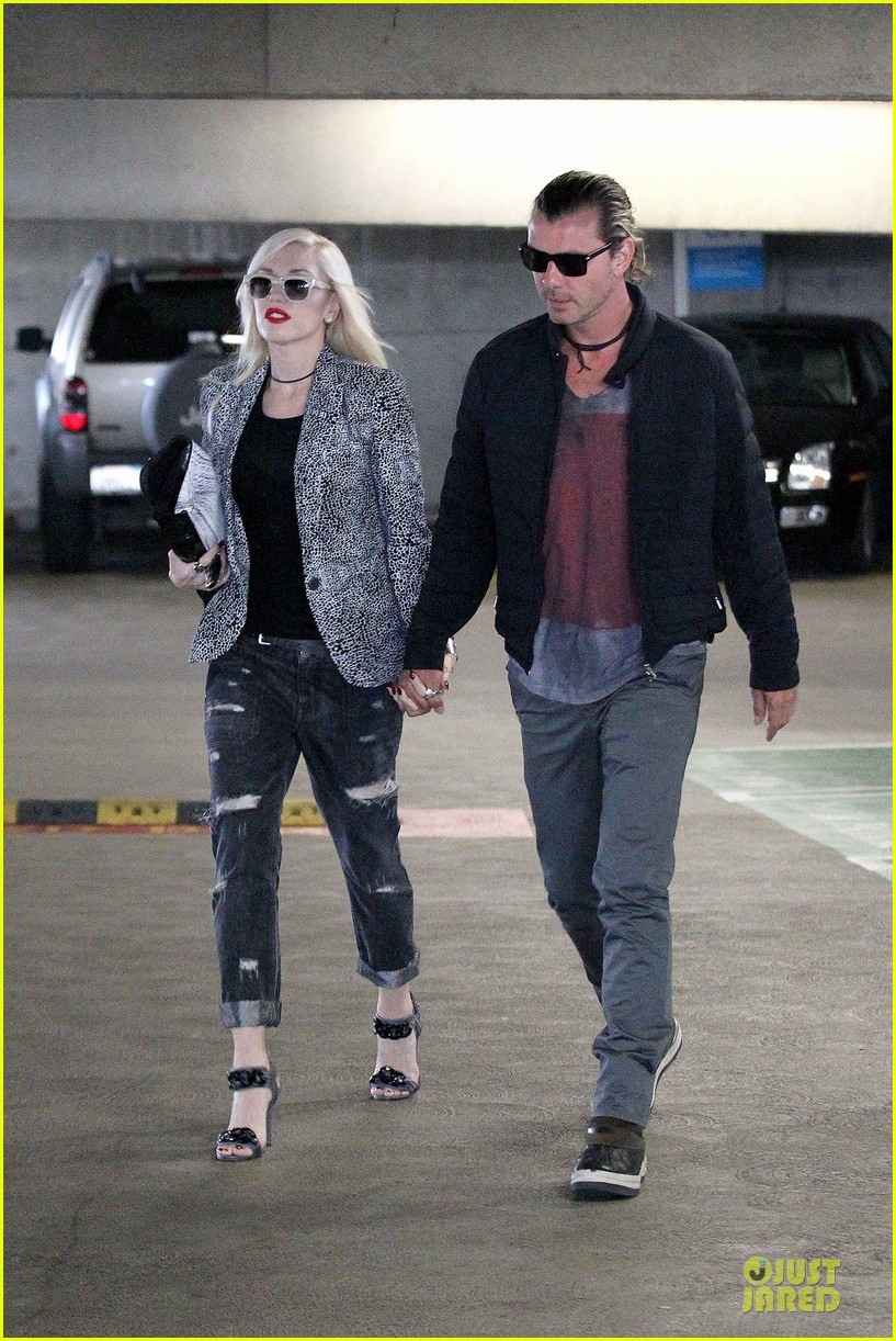 gwen stefani gavin rossdale hold hands before fathers day 09