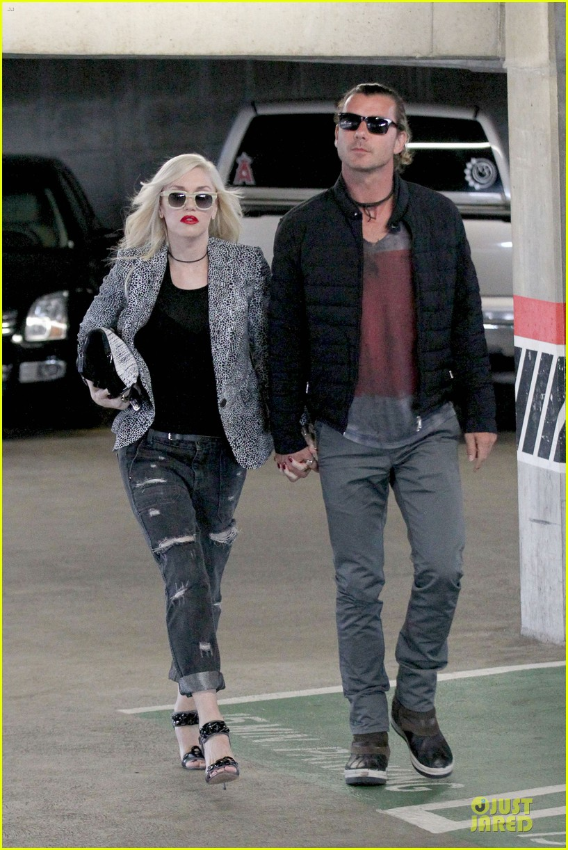 gwen stefani gavin rossdale hold hands before fathers day 10