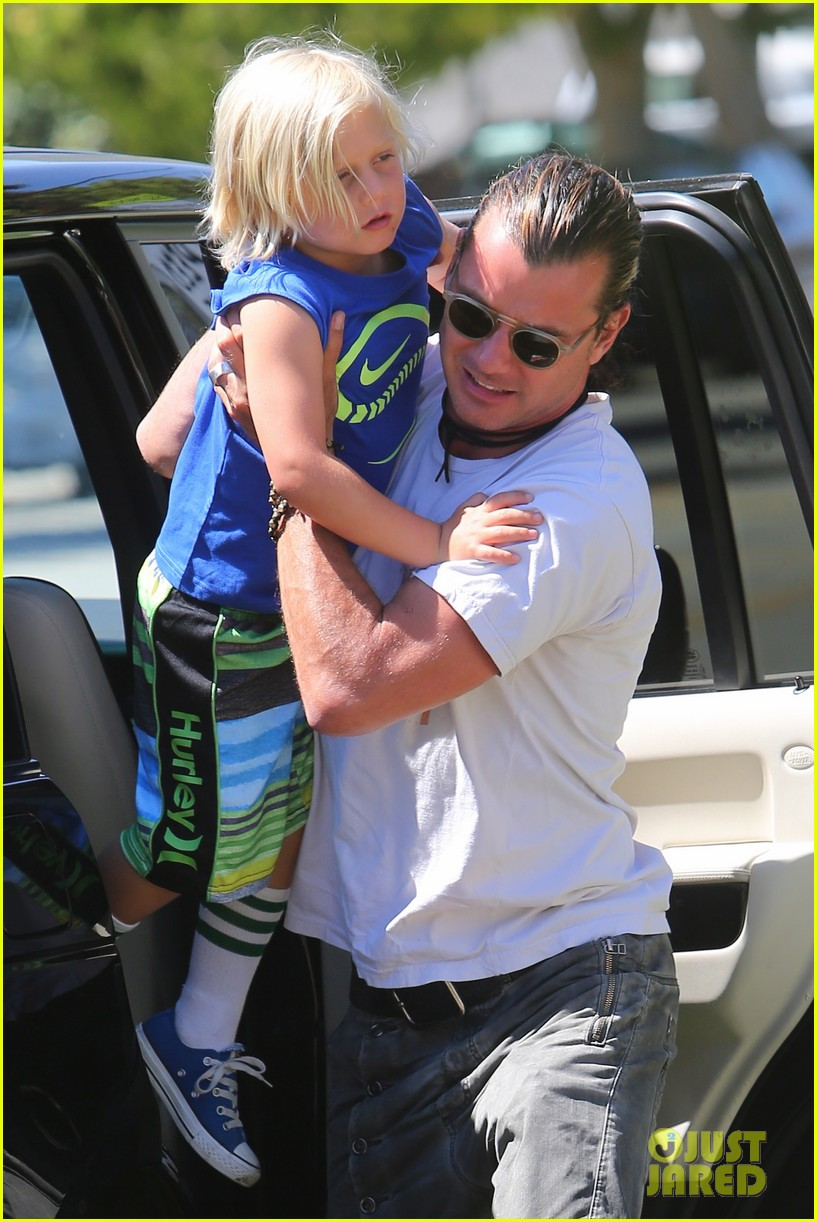 gwen stefani gavin rossdale ice cream with the kids 02