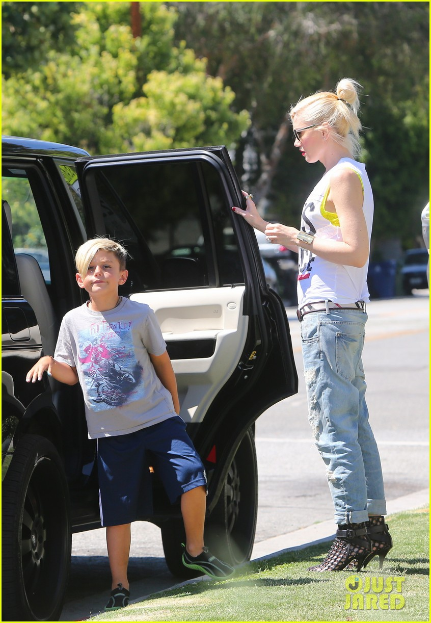 gwen stefani gavin rossdale ice cream with the kids 04