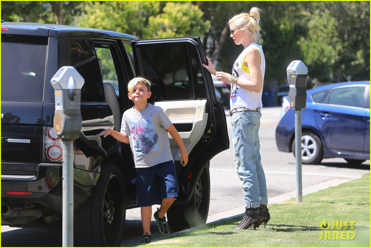 gwen stefani gavin rossdale ice cream with the kids 062899413