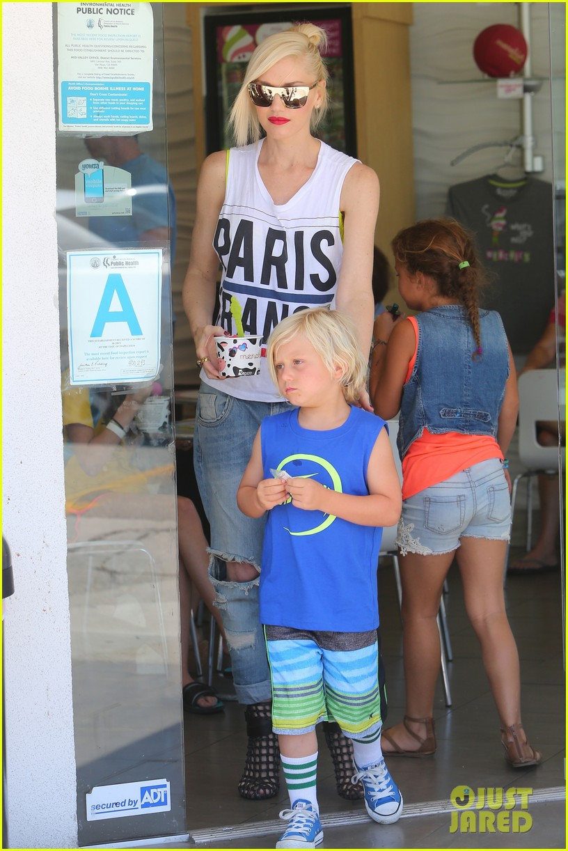 gwen stefani gavin rossdale ice cream with the kids 27
