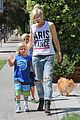gwen stefani gavin rossdale ice cream with the kids 20