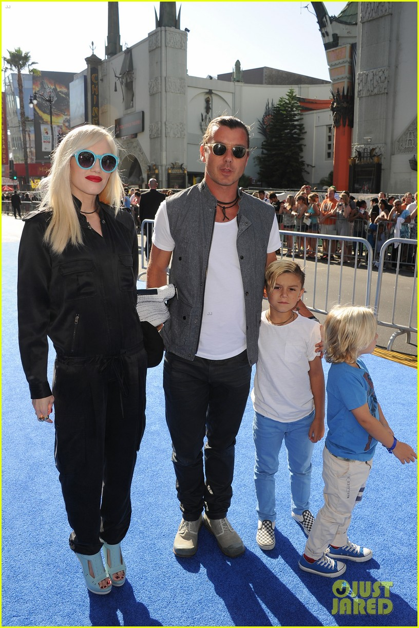 gwen stefani gavin rossdale monsters university premiere with the kids 01