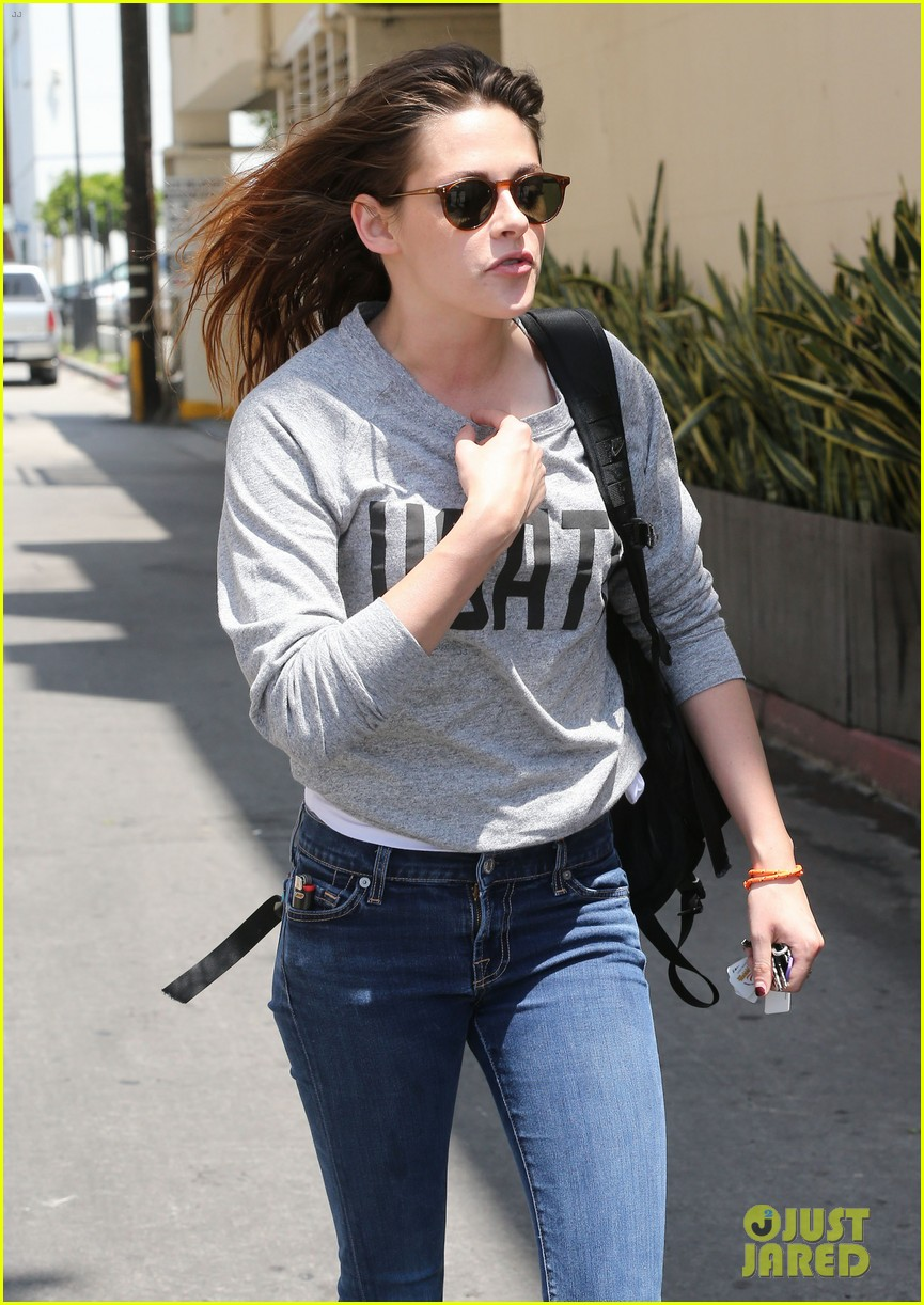 kristen stewart office building stop on thursday 142890743