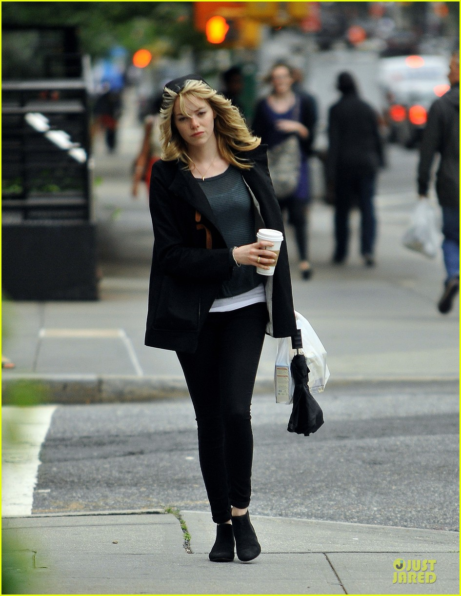 emma stone he fking perfect is close to universal deal 032891447