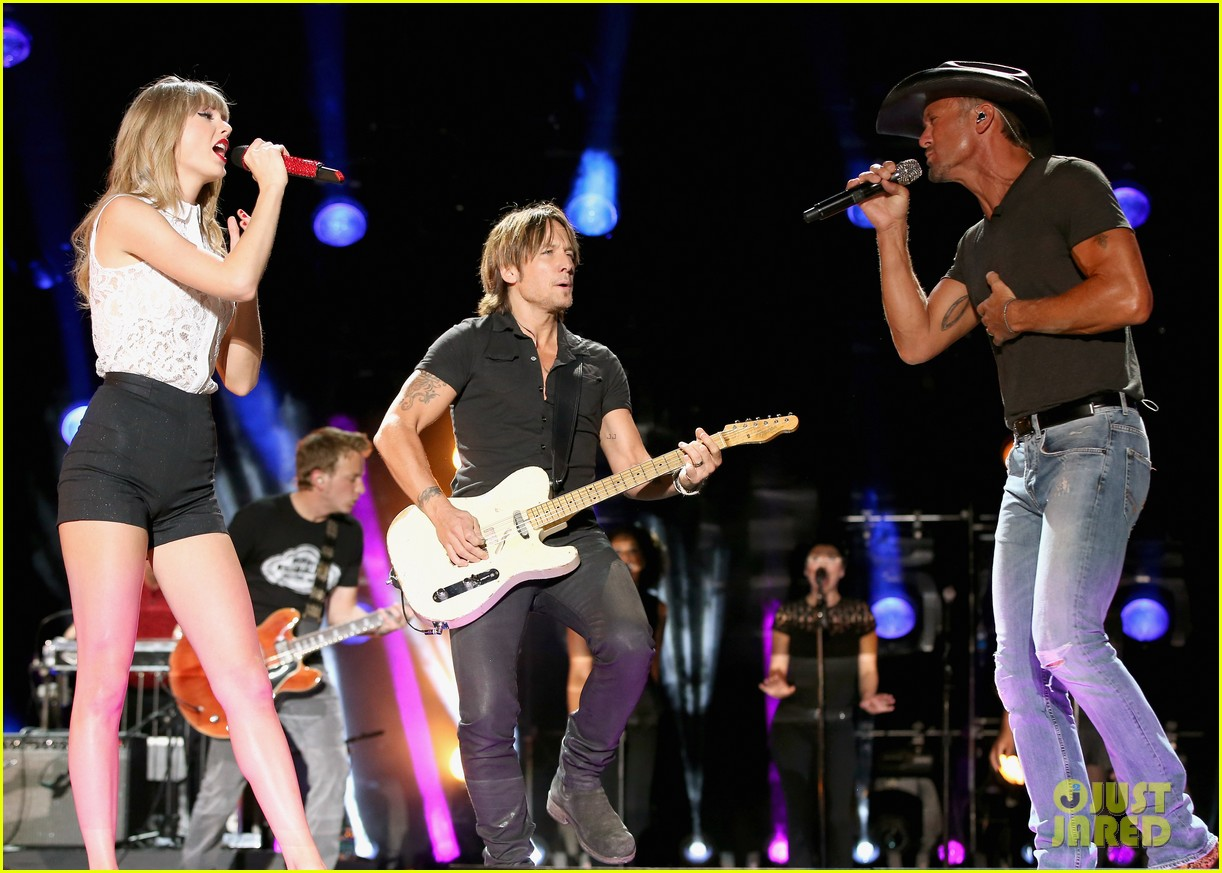 taylor swift keith urban tim mcgraw cma music festival 05