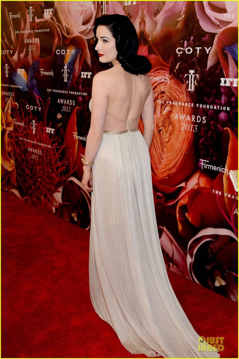 dita von teese jessica szohr fragrance foundation awards 2013 red carpet 12