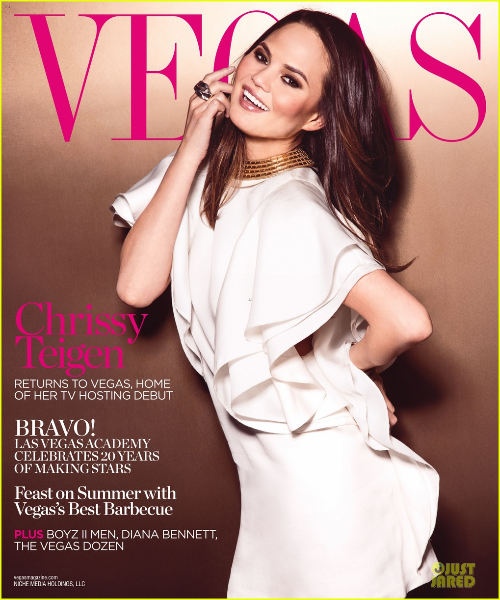 chrissy teigen covers vegas magazine summer 2013 04