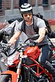 justin theroux ducati dude in new york 08