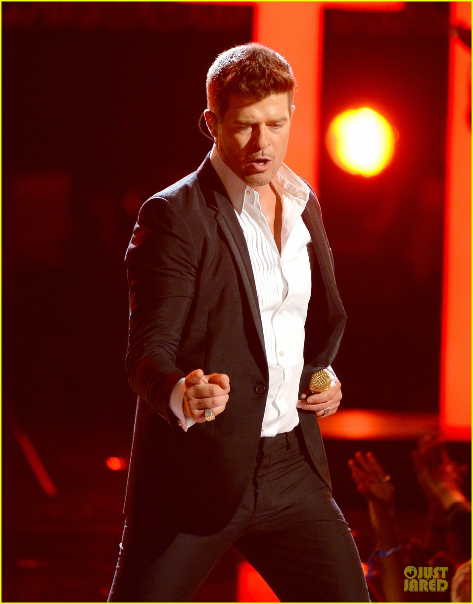 robin thicke bet awards 2013 performance video 10