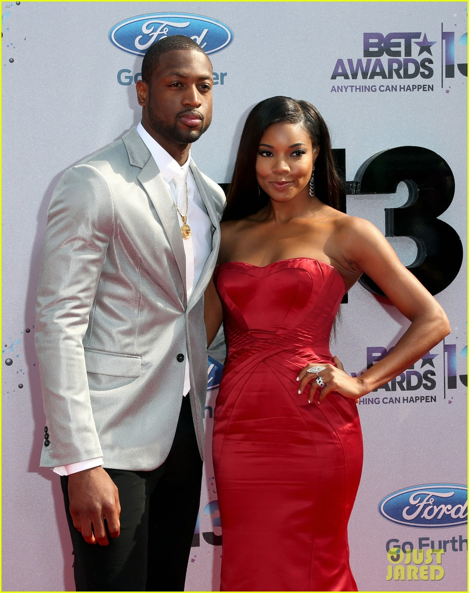 gabrielle union dwyane wade bet awards 2013 red carpet 02