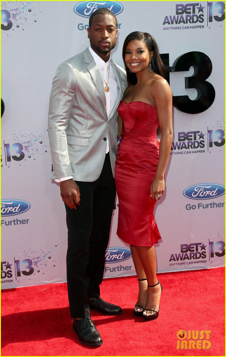 gabrielle union dwyane wade bet awards 2013 red carpet 032901531