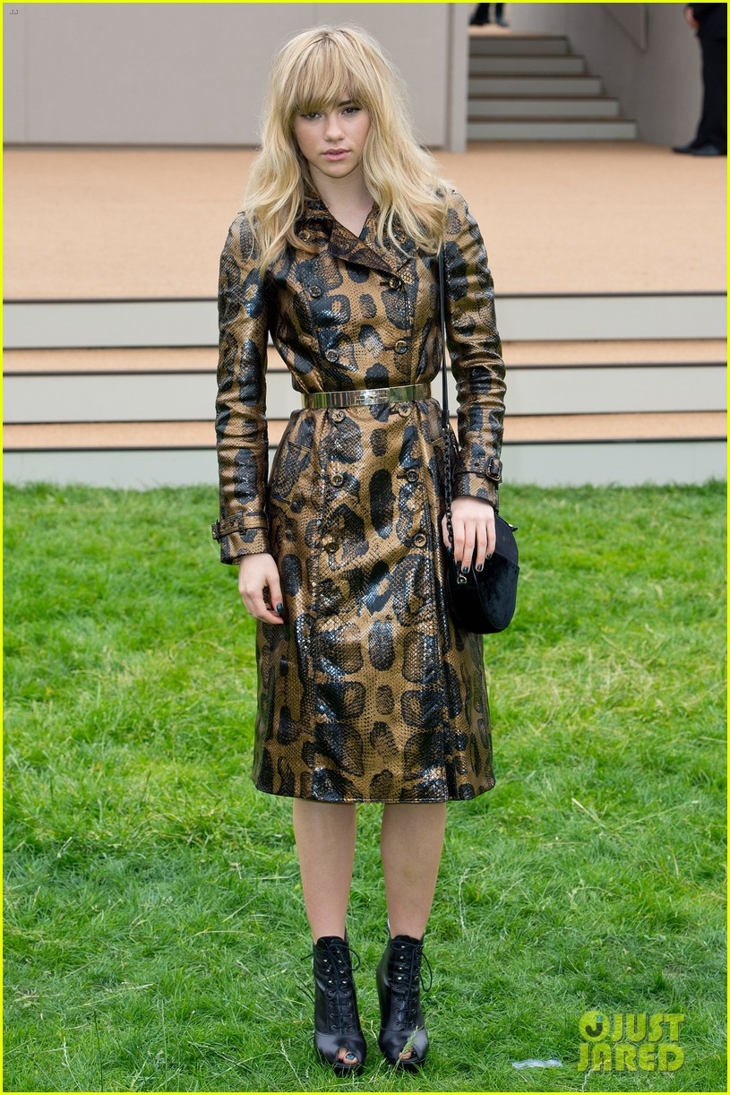 suki waterhouse serena williams burberry prorsum show 012893778
