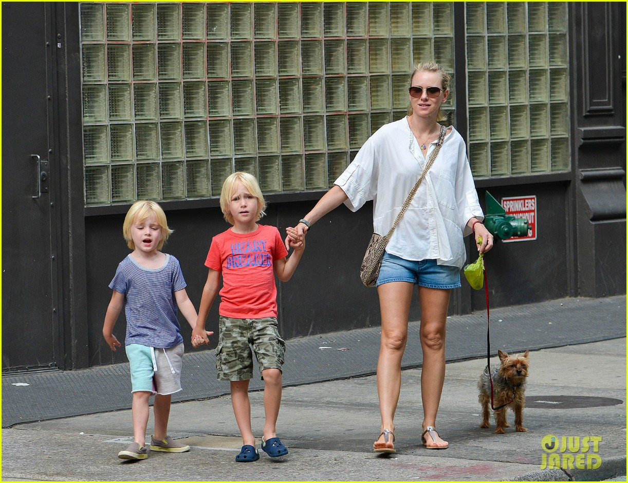 naomi watts sees newsies before fathers day with family 042892957