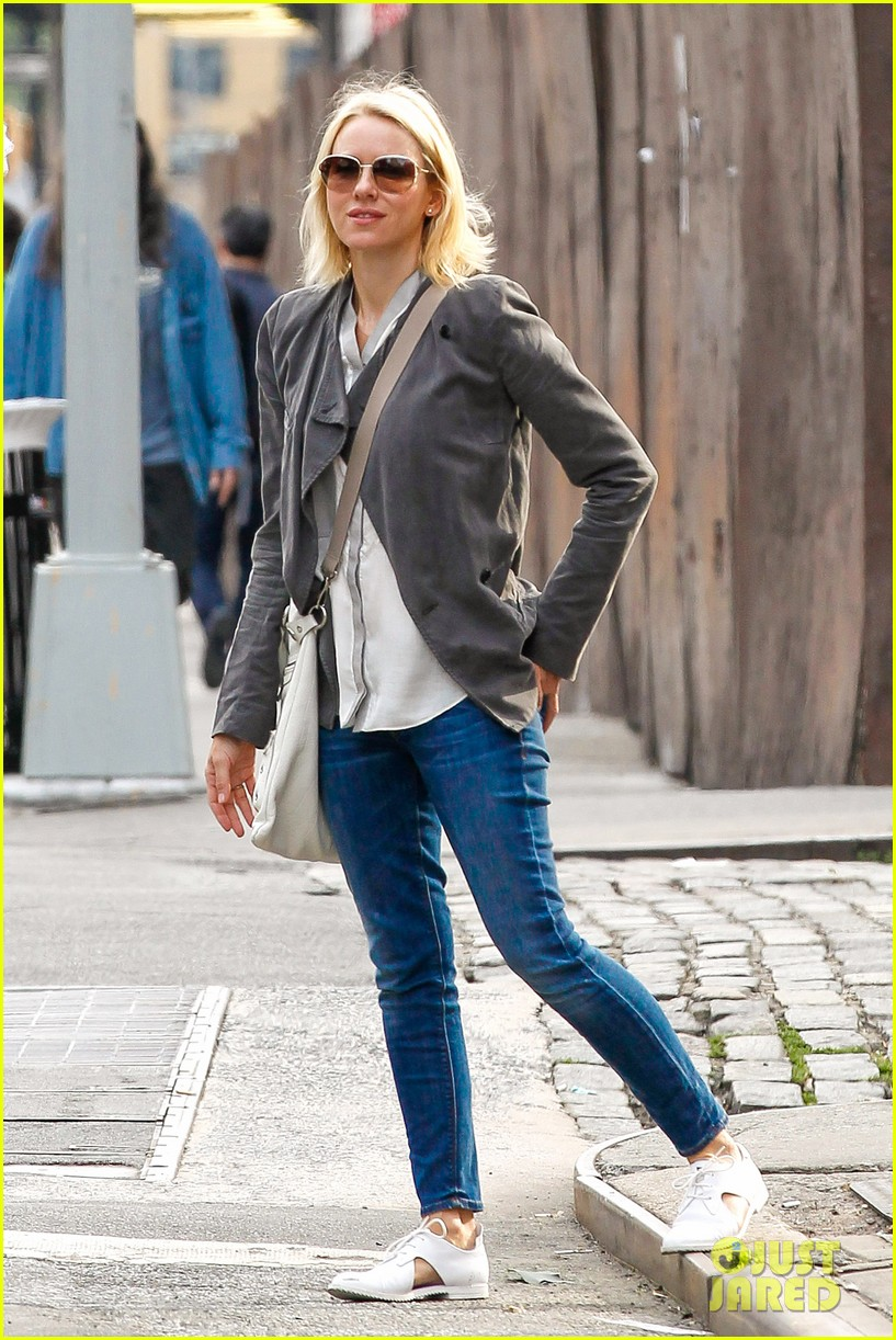 Full Sized Photo of naomi watts adore gets release date 07 ... Naomi Watts Dating