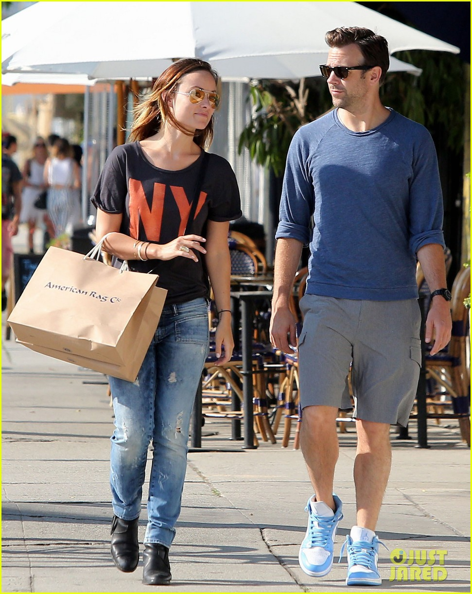 olivia wilde preps for new movie with plaster plastic bags 03