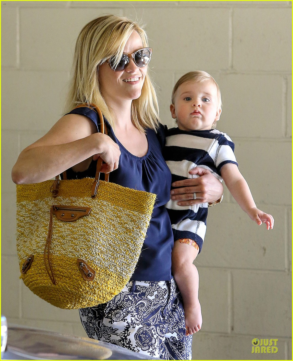 reese witherspoon doctors office visit with tennessee 152898975