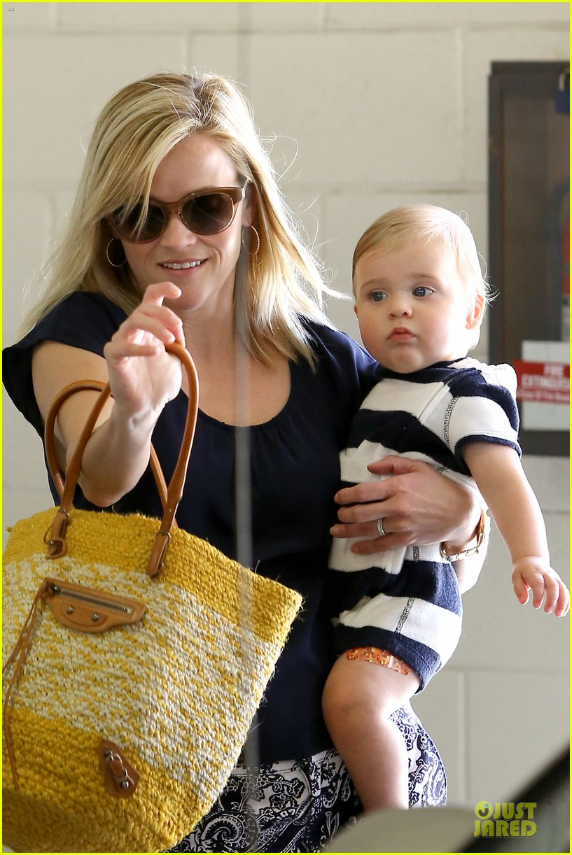 reese witherspoon doctors office visit with tennessee 26