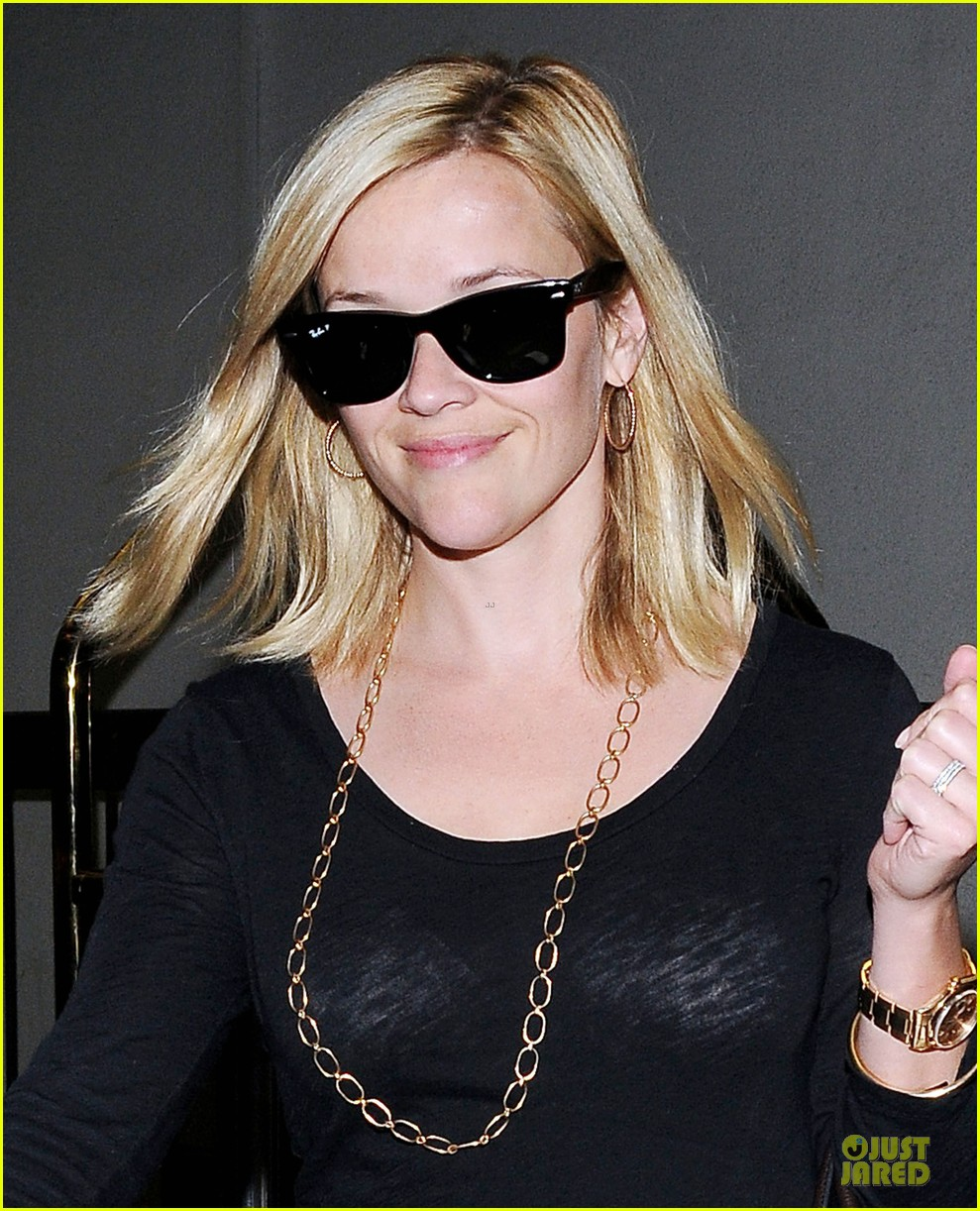 reese witherspoon i love neil gaiman novels 08