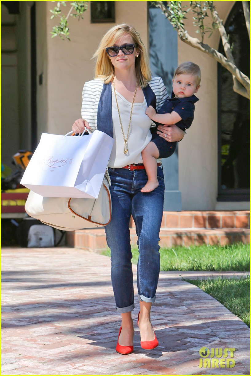 reese witherspoon playdate with tennessee 01