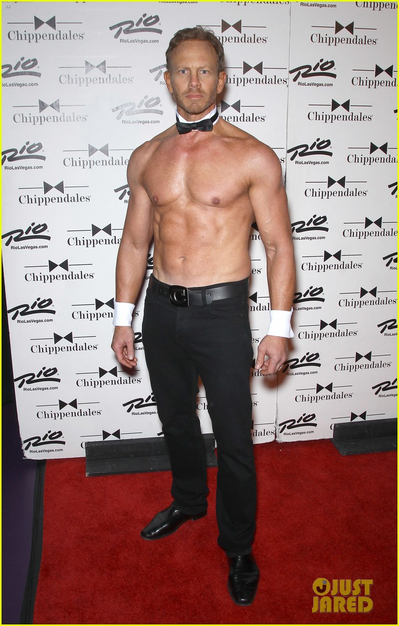 ian ziering shirtless chippendales debut 01