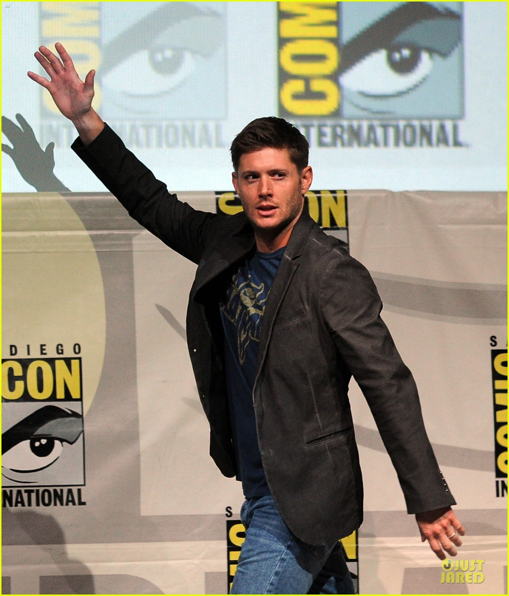 jensen ackles jared ackles supernatural at comic con 03
