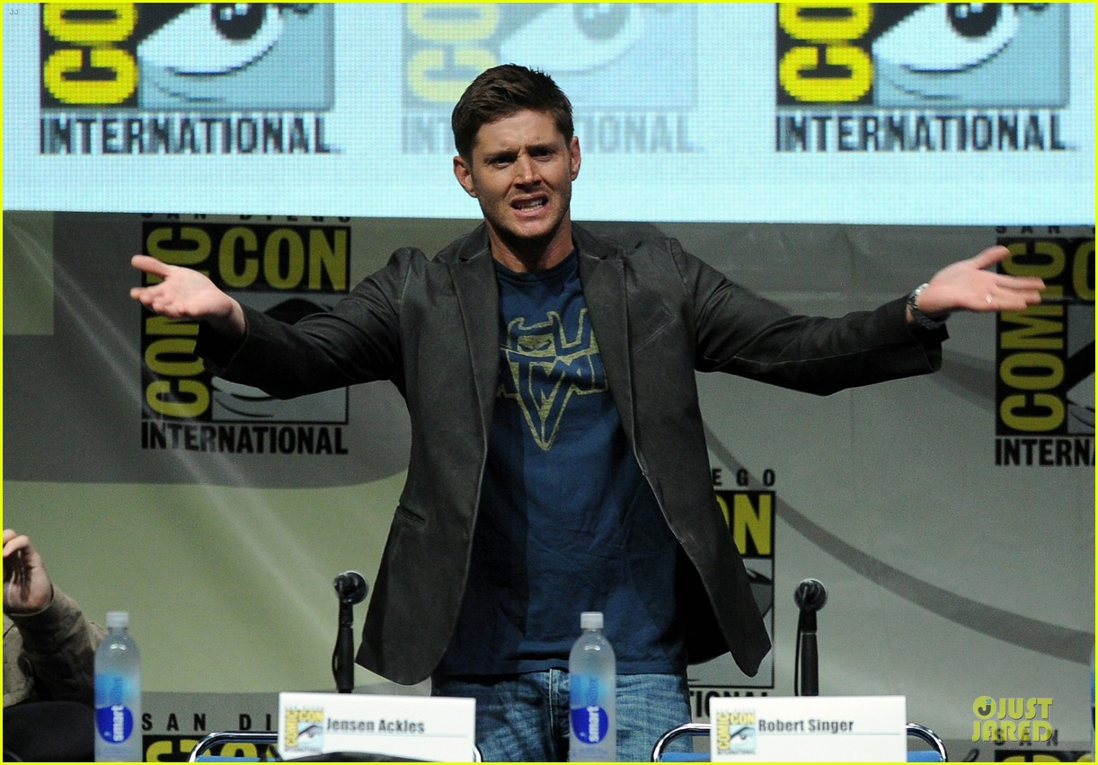 jensen ackles jared ackles supernatural at comic con 09