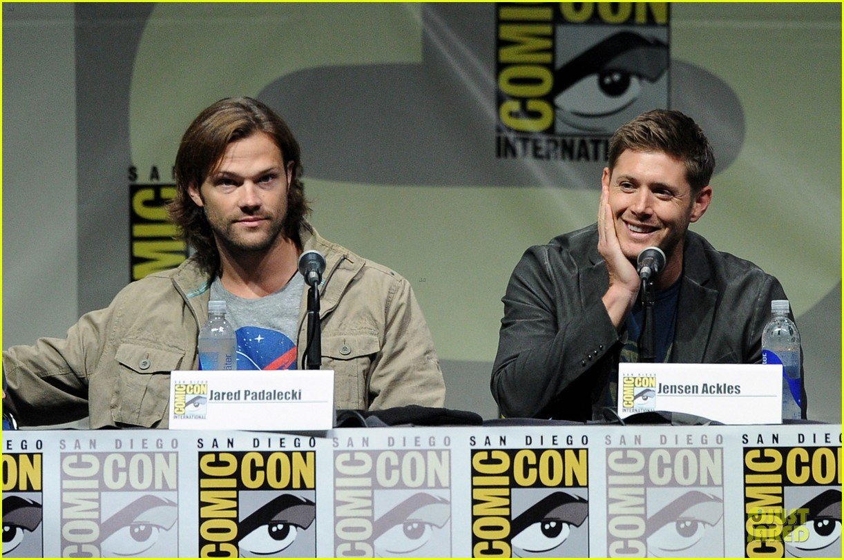 jensen ackles jared ackles supernatural at comic con 12