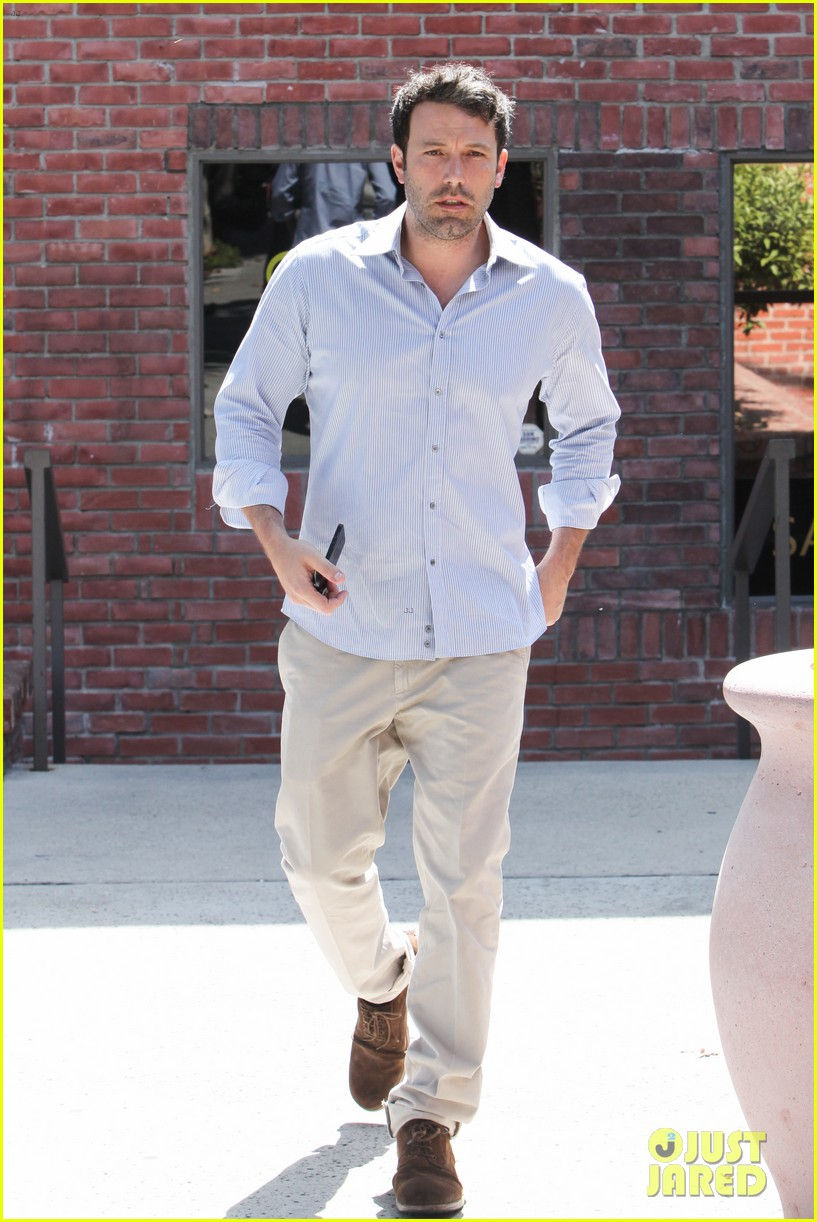 ben affleck business meeting in pasadena 08