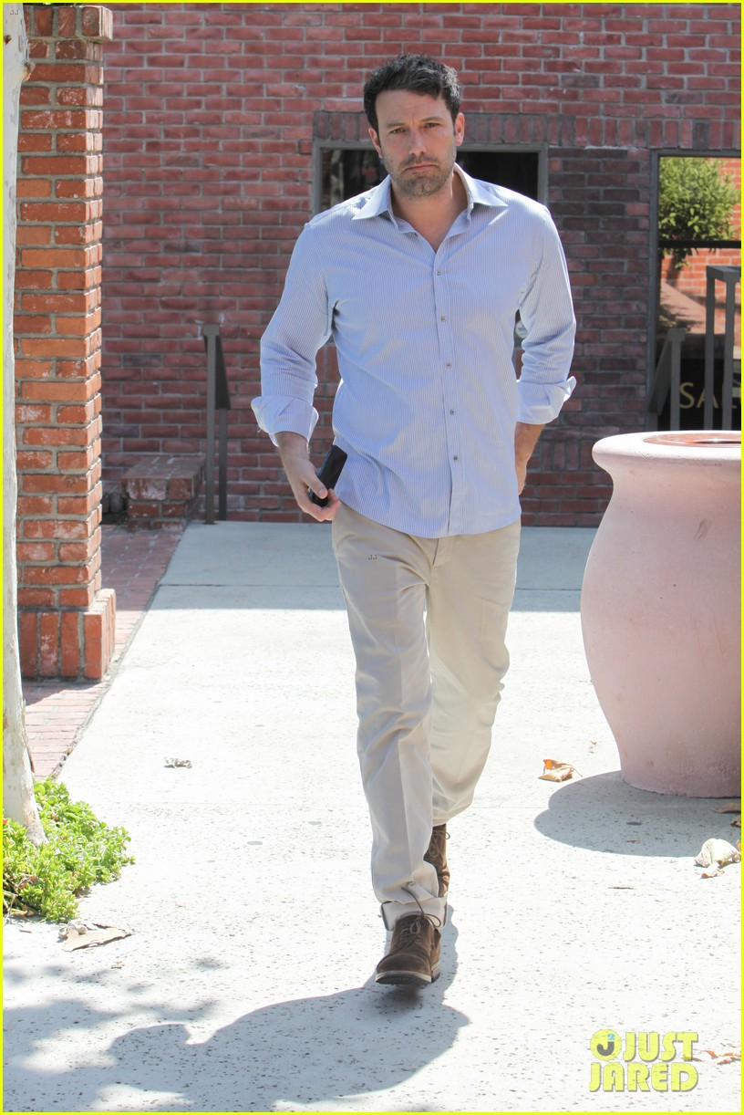 ben affleck business meeting in pasadena 10