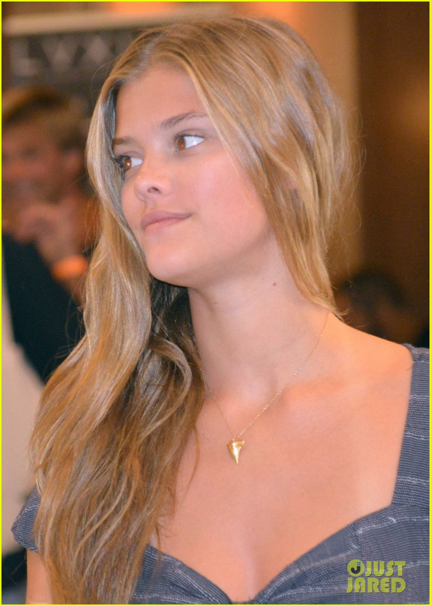 nina agdal miami fashion week fun 122913850