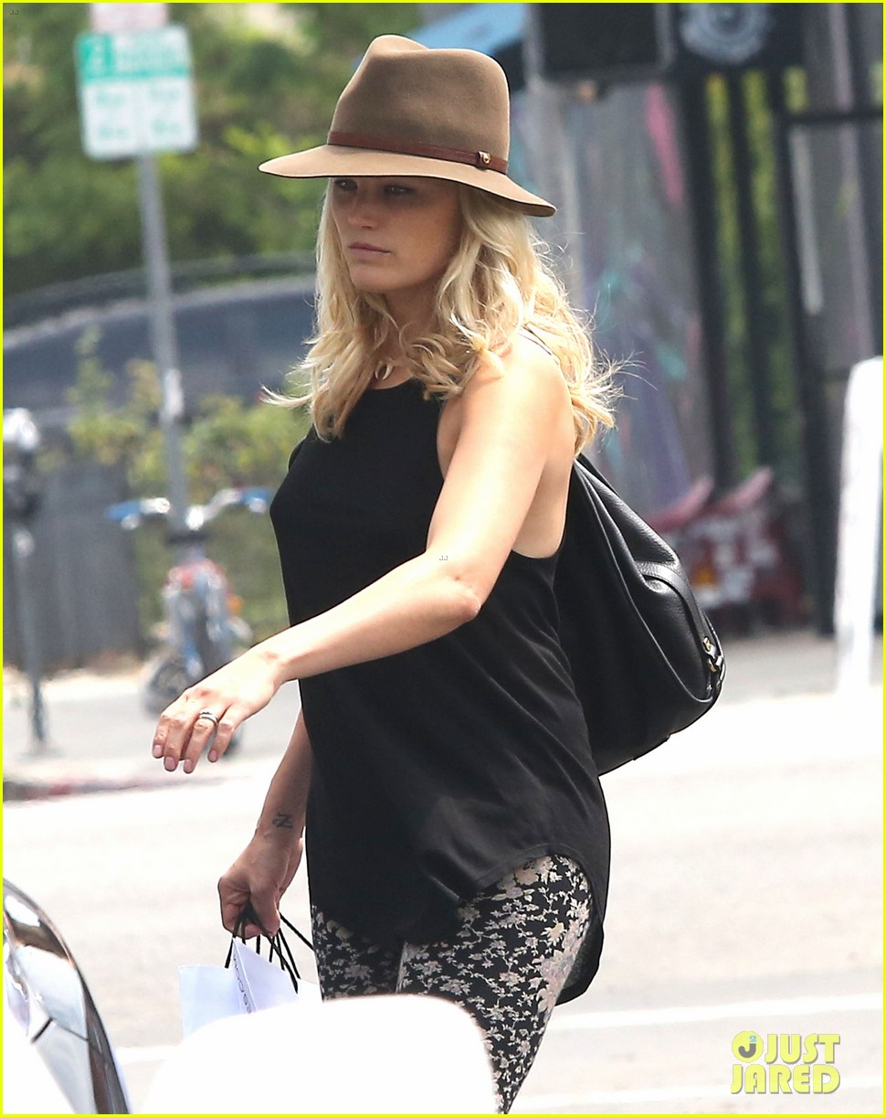 malin akerman blinkers were put on your car for a reason 022904894