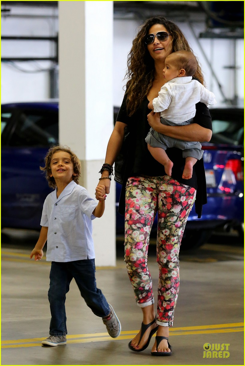 camila alves aquarium shopping after doctor's office with boys 11