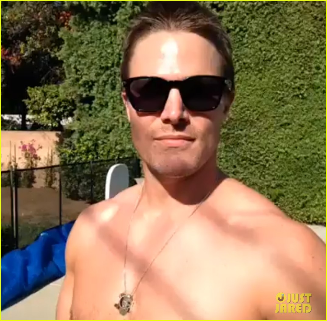 stephen amell goes shirtless for fourth of july 01
