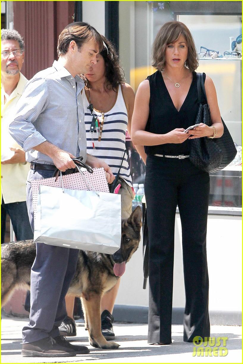 jennifer aniston walks dog gets justin theroux visit on set 012910948