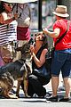 jennifer aniston walks dog gets justin theroux visit on set 12