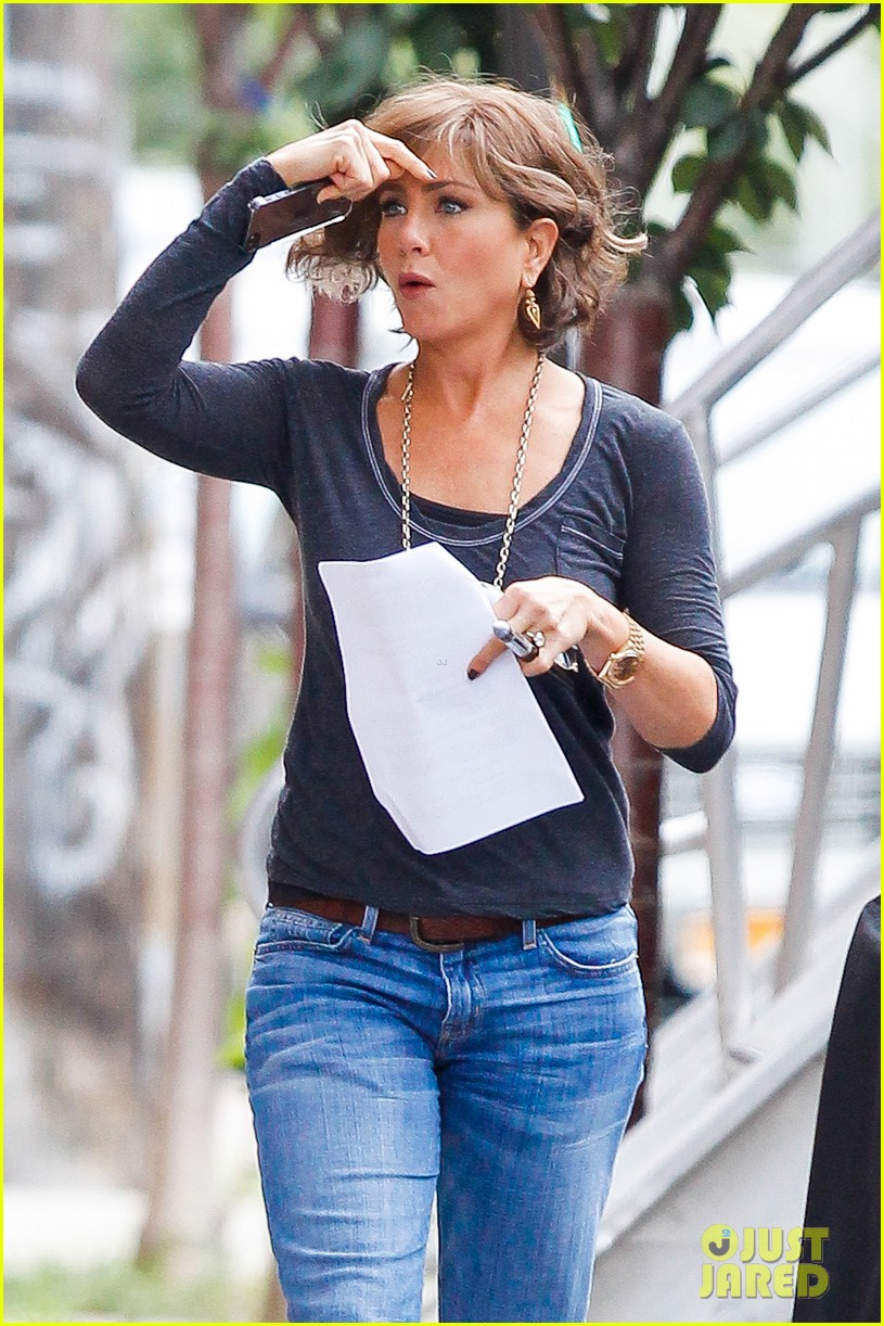 jennifer aniston bespeckled on squirrels set 17
