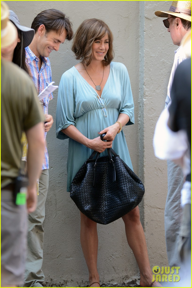 jennifer aniston short brown wig for squirrels to the nut 26