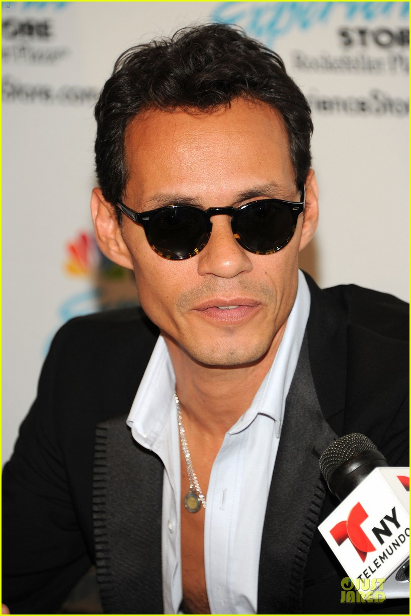 marc anthony chloe green marc anthony 3 album signing 12