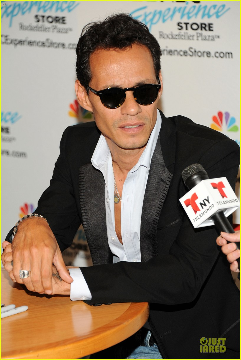 marc anthony chloe green marc anthony 3 album signing 262915481