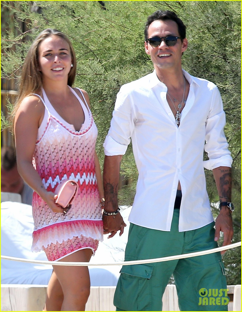 marc anthony chloe green st tropez vacation 04
