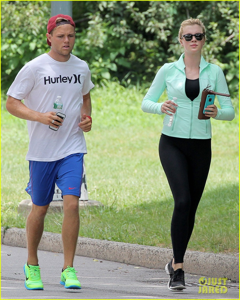 ireland baldwin slater trout lunch with alec baldwin 04